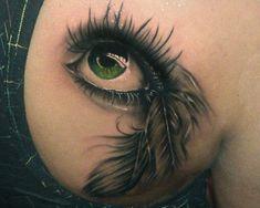 Tatuagem Realista | Olho nas costas
