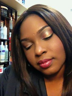 Marykay look created using all marykay cosmetic #fluideyecolor in #islandbronze #lipcolor in #dustyrose #lipgloss in #berrysparkle  #bronze600 for foundation #bronze1 for foundation powder and blush in #berrybrown