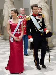 Crown Princess Victoria wore the 6-Button Tiara for a dinner on the first night during the Swedish State Visit to Denmark in May 2007.