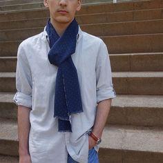 Bufanda hombre edición limitada, moda sostenible Look by LyLy Winter, Fashion, Sustainable Fashion, Navy Blue, Scarves, Elegant, Men, Winter Time, Moda