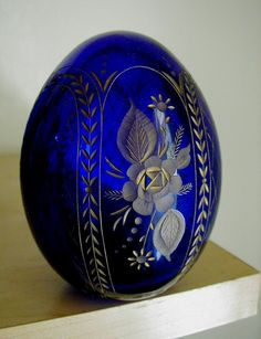 Cobalt Blue Faberge Egg from Russia -- photo by Cobalt Glass, Cobalt Blue, Art Nouveau, Fabrege Eggs, Art Ancien, Himmelblau, Egg Art, Glass Paperweights, Glass Art