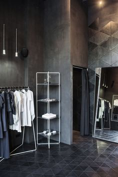 PODOLYAN Store Project / FILD design thinking company