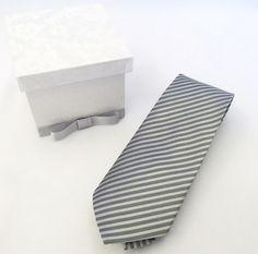 Caixa convite para os seus padrinhos de casamento.  A gravata não está inclusa. R$ 20,00