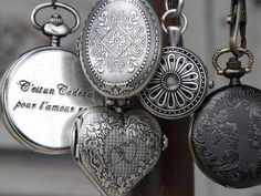 Lockets - I would love to find a locket or two to add to my vintage stash. Vintage Love, Vintage Silver, Antique Silver, Vintage Lockets, Vintage Jewelry, Silver Lockets, Up Girl, Turquoise Jewelry, Jewelry Box