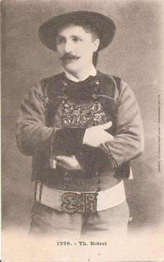 Jean-Baptiste-Théodore-Marie Botrel est un auteur-compositeur-interprète breton , né le 14 septembre 1868 à Dinan et mort le 26 juillet 1925 à Pont-Aven où il fut inhumé. Il est l'auteur de La Paimpolaise et du Mouchoir rouge de Cholet