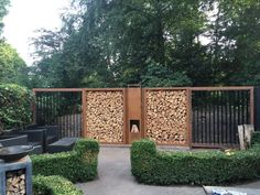 Tuinafscheiding 360x40x190cm.   Tuinafscheiding   Cortenstaalproducten Outdoor Firewood Rack, Firewood Storage, Garden Art, Garden Design, Home And Garden, Thuja, Privacy Fence Designs, Wood Store, Wood Shed