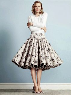 A floral skirt that will make your heart flutter! ::Floral skirts:: pleated… …
