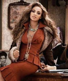 Beyonce Knowles Carter, Solange Knowles, Black Historical Figures, 2000s Fashion, Fashion Outfits, Beyonce Coachella, Queen B, Glitz And Glam, African Beauty