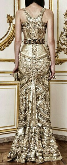 Sagas gold dress