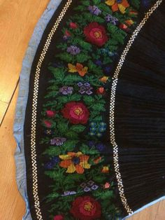 Pot Holders, Costume, Embroidery, Create, Blouse, Needlepoint, Hot Pads, Potholders, Costumes