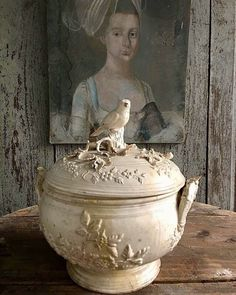 God and Country in Tennessee French Decor, French Country Decorating, Interior Exterior, Home Interior, Interiores Shabby Chic, Swedish Interiors, French Country Farmhouse, Rustic French, Ivy House