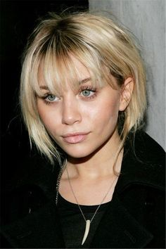 A person reaches at top class with his/her quality. And these Short Bob Haircuts with Bangs are the top class Short Bob Haircuts with Bangs which you will get clicking here. Hope it is not necessary to say about the quality of these hairstyles. Bob Haircut With Bangs, Bob Hairstyles For Fine Hair, Medium Bob Hairstyles, Short Hair With Bangs, Short Bob Haircuts, Short Hair Cuts, Short Bob Bangs, Fine Hair Bangs, Blonde Hair With Bangs
