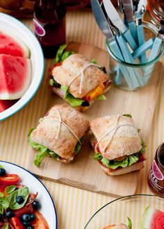 How to pack the yummiest, prettiest picnic.