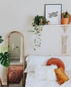 Love white decor with pops of orange. Love white decor with pops of orange. Boho Room, Aesthetic Room Decor, Minimalist Bedroom, Modern Bedroom, Master Bedroom, Minimalist Poster, Home And Deco, Room Decor Bedroom, Bedroom Ideas