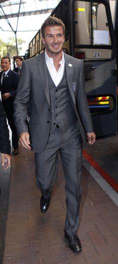 Pictures-David-Beckham-Suit-Field-England-Soccer-Team