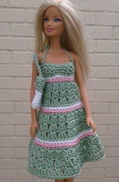 Crochet Dolls Clothes Green sundress and bag Free crochet pattern Barbie Clothes Patterns, Crochet Barbie Clothes, Doll Clothes Barbie, Barbie Dress, Clothing Patterns, Barbie Doll, Doll Dresses, Diy Clothing, Crochet Barbie Patterns