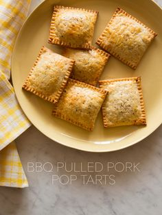 Pulled Pork Pop Tarts A recipe for BBQ Pulled Pork Pop Tarts. Savory meat hand pies for Super Bowl!A recipe for BBQ Pulled Pork Pop Tarts. Savory meat hand pies for Super Bowl! Spoon Fork Bacon, Little Lunch, Pasta, Hand Pies, Pulled Pork, Pop Tarts, Food And Drink, Favorite Recipes, Yummy Food