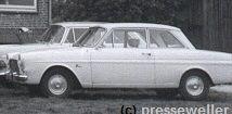 Der Ford 12 M, Anfang der 1960er. Gestreckt, geräumig. Nun mit Frontantrieb und Viergang-(Lenkrad-) Schaltung. Der 40-PS-Ford ließ sich gut fahren. Im Bild dahinter ein Opel.   Auto- und Verkehrsthemen auf presseweller.de
