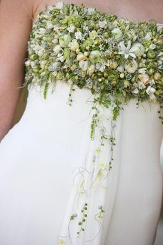 Flower adorned dress by Zita Elze Flowers Floral Dress #FloralDress #Floral #Dresses www.2dayslook.com