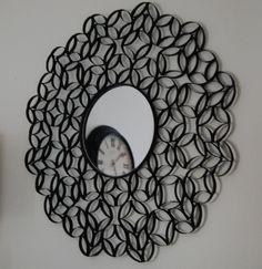 Hecho con rollos de papel vacios y spray...Toilet Paper Roll Wall Art just spray paint and voila!