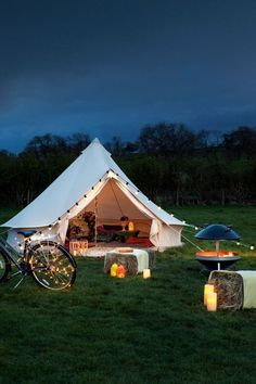 This outdoor lighting solar is genuinely a noteworthy style concept. Outdoor Battery Lights, Outdoor Candles, Patio String Lights, Led Candles, Outdoor Lighting, Lighting Ideas, Bell Tent Glamping, Outside Living, Pool Houses