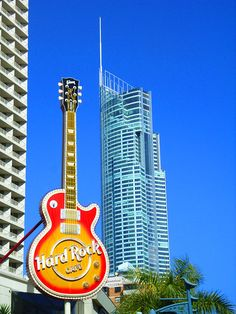 The Big Hard Rock Cafe Guitar, with Q1 in the background Surfers Paradise #GoldCoast. I already traveled this <3