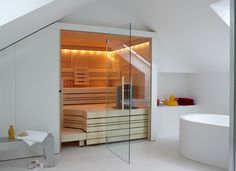 Sauna in the bathoroom: great place to let go and relax after a day at work