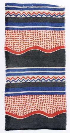 Décor en bandes constitué de bandes ondulantes. Musée des Tissus de Lyon