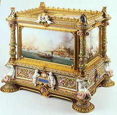 O cofre em porcelana de  Sévres e bronze da Princesa de Joinville: