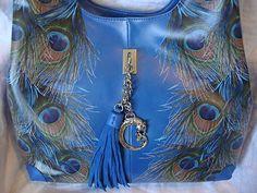 Peacock Feather Leather Handbag Unique Handbags, Unique Purses, New Handbags, Purses And Handbags, Peacock Purse, Peacock Colors, Yves Klein Blue, Leather Hobo Handbags, Boho Bags