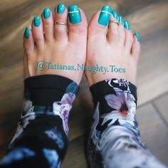 I know Christmas has come and gone, but who wouldn't love to unwrap Pretty Toe Nails, Cute Toe Nails, Pretty Toes, Painted Toe Nails, Long Toenails, Blue Toes, Toe Nail Color, Women's Plus Size Swimwear, Beautiful Toes