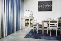 Kobe gordijnen Maroa Branco - blauw, grijs, naturel - 4078-4. #interieur #gordijnen #raambekleding #blauw #grijs