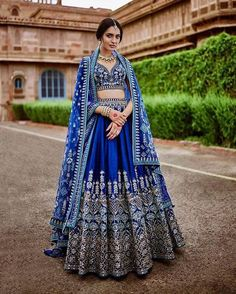 Unique patterned offbeat lehenga choli for this wedding season is being preferred over red. Choose a lehenga that makes everyone's hearts flutter. Multicolored lehenga to slay your bridal look this season. Designer Bridal Lehenga, Bridal Lehenga Choli, Silk Lehenga, Pakistani Bridal, Anarkali Lehenga, Saree Gown, Lehenga Choli With Price, Bollywood Bridal, Medieval Clothing
