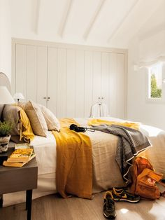 〚 Interiors with sunny yellow touches: 10 room examples 〛 ◾ Photos ◾Ideas◾ Design Home Office Bedroom, Home Decor Bedroom, Guest Room Decor, Bright Rooms, Bohemian Bedroom Decor, Dream Furniture, The White Company, Aesthetic Bedroom, Home Hardware