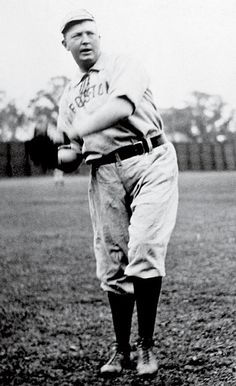 Cy Young - Boston Red Sox-(3/29/1867)-(11/4/1955)
