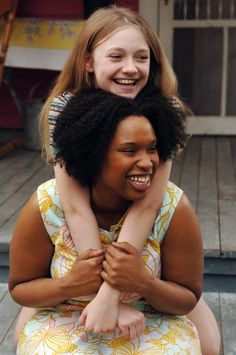 Dakota Fanning and Jennifer Hudson in The Secret Life of Bees (2008) #books #movies