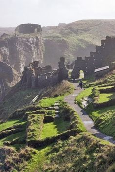 The ruins of Tintagel Castle in Cornwall, UK.