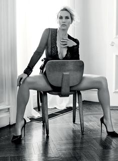 kate-winslet-in-lingerie-in-esquire-mag-uk-nov-2015_4.jpg (1200×1631)