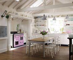 30 foto di cucine shabby chic, o in stile provenzale, dalle quali trarre ispirazione ed idee per arredare casa in maniera originale e con un tocco romantico