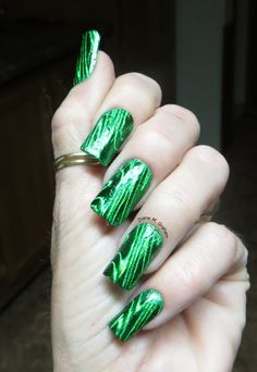 Foils give such a unique look, I love it!! Hopefully I can get my hands on some :)