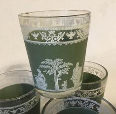 Juice Glasses Vintage Set of 4 Juice Glasses Green Moss Decor, Stone Planters, Metal Containers, Vintage Kitchenware, Glass Company, Antique Shops, Retro Design, Vintage Decor, Candlesticks