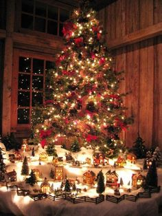 A beautiful Christmas village display idea! Would work well with almost any Department 56 village. Christmas Scenes, Noel Christmas, Christmas Countdown, Country Christmas, Winter Christmas, Christmas Lights, Christmas Decorations, Xmas, Christmas Mantles