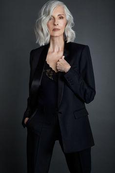 Grey Hair Old, Grey White Hair, Short Grey Hair, Long Hair, Older Women Hairstyles, Mom Hairstyles, 60 Year Old Hairstyles, Top Modeling Agencies, Sexy Older Women