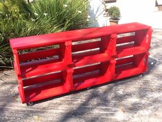 Rack com 6 caixotes pintados em vermelho + rodízios