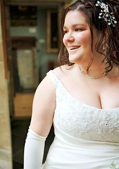 """Apparently, TLC has a show called """"Plus Sized Brides"""". Has anyone seen it? Is it fat-positive? Thoughts?"""