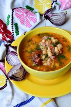 New Recipes, Soup Recipes, Cooking Recipes, Favorite Recipes, Healthy Recipes, Romanian Food, Lebanese Recipes, Bean Soup, Soups And Stews