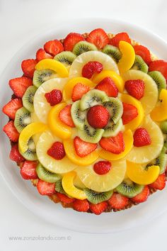 Crostata di frutta con crema pasticcera al limone - Tart fruit with lemon custard