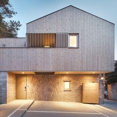 Minimalist House Design, Minimalist Home, Luxury Interior, Garage Doors, Shed, Outdoor Structures, Architecture, Outdoor Decor, Home Decor
