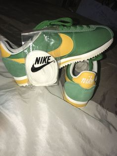 6d461a14420 Womens Nike Classic Cortez Nylon PREM 882258-301 Classic Green Yellow   fashion
