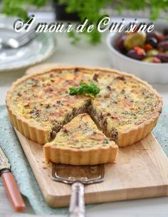 tarte à la viande hachée 2 Quiche Recipes, Meat Recipes, Cooking Recipes, Quiches, Mincemeat Pie, Fish Pie, Good Food, Yummy Food, Mince Meat